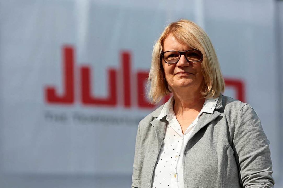 Gabriele Braun arbeitet seit fast 40 Jahren bei Julabo.    Foto: Christoph Breithaupt