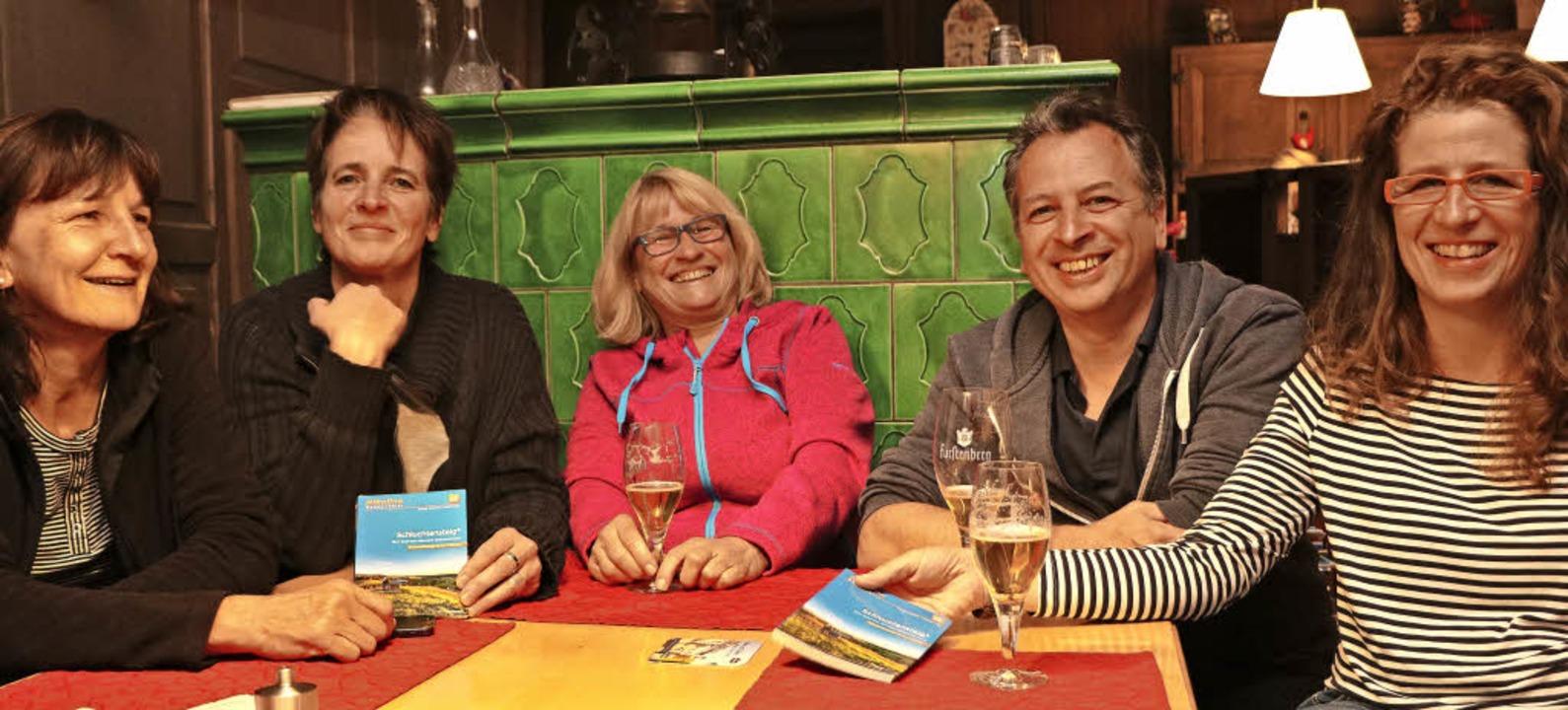 Margitta, Claudia, Ellen, Jörg und San...#8211;  echte Kölner Frohnaturen eben.    Foto: Martha Weishaar
