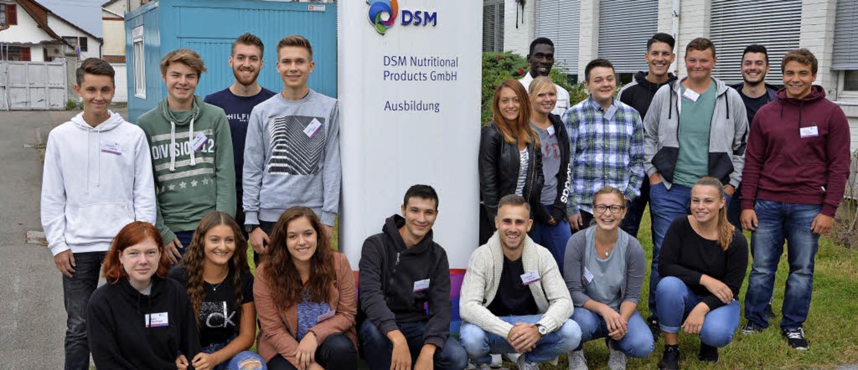 Die neuen Azubis des Grenzacher DSM-Werks     Foto: DSM