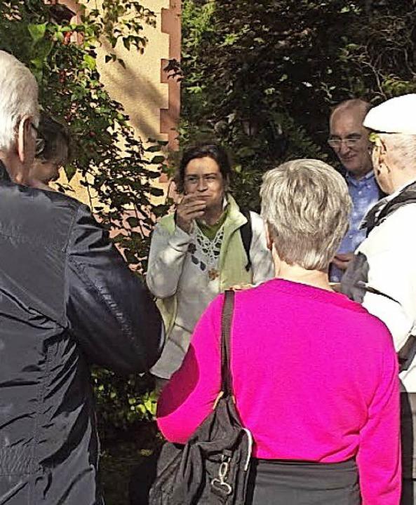Gespannt folgten die Besucher  den Aus...gen von Cornelia Dziedzina-Langrock.      Foto: Enzenross