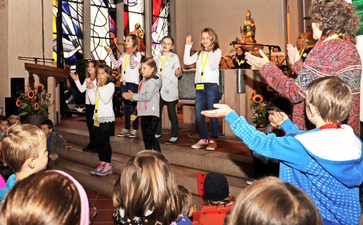 Die Kinder durften in verschiedenen Al... den Gottesdienst aktiv mitgestalten.     Foto: Christa Rinklin