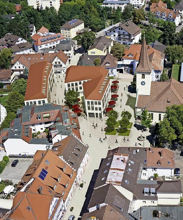 So soll das Umfeld des Rathaus- und Kirchplatzes von 2022 an aussehen.     Foto: Visualisierung: Stadtverwaltung