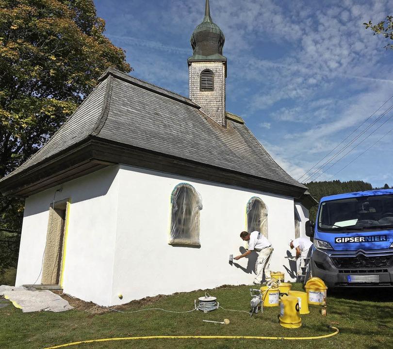Die Josefs-Kapelle erstrahlt jetzt in Weiß.  | Foto: Jörg Oehler