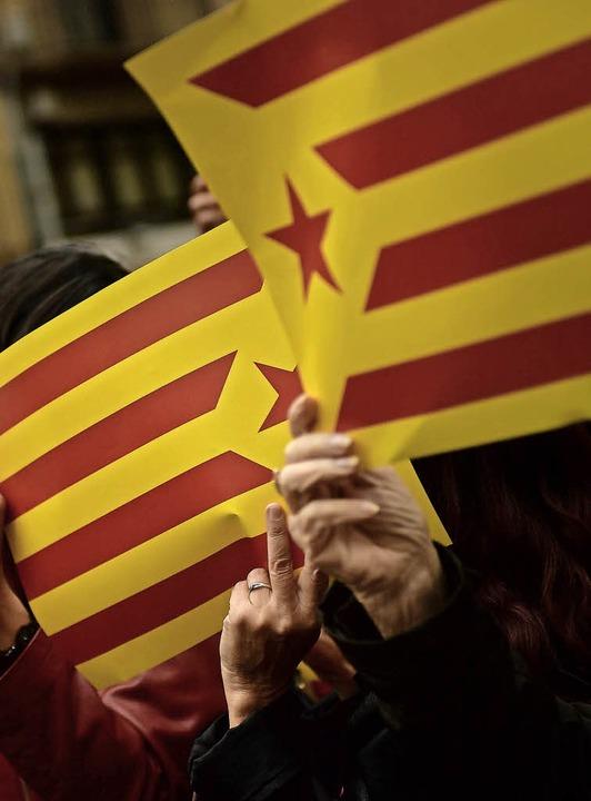 Flaggen Kataloniens   | Foto: DPA