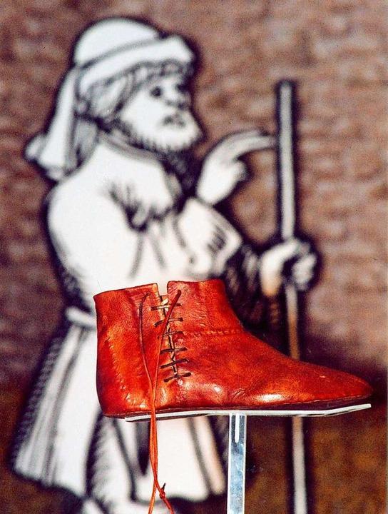 Insignie der Revolte: Bundschuh vor Joß-Fritz-Bild.    Foto: Thomas Adam