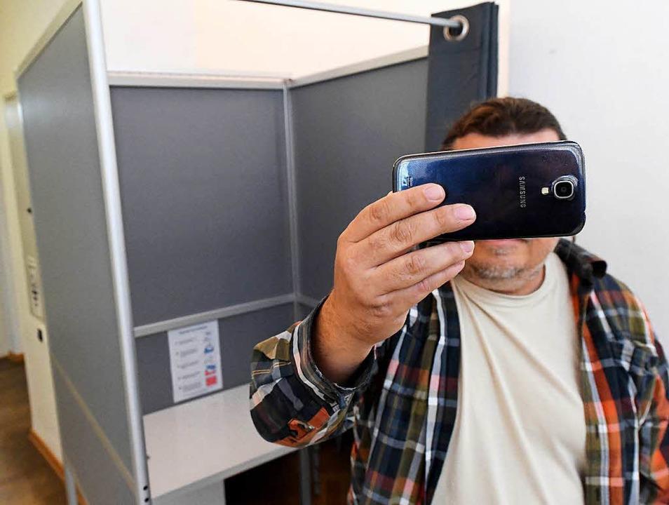 Verboten! Da Wahlen in Deutschland geh...men machen – auch keine Selfies.    Foto: dpa