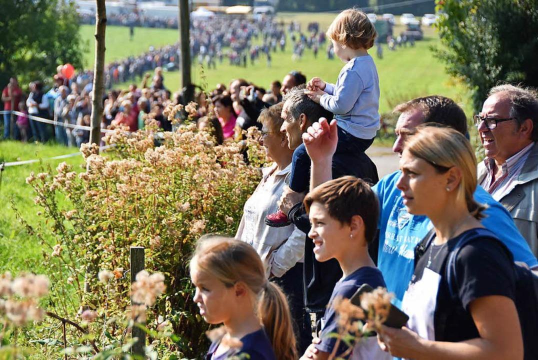 Mehrere tausend Besucher kamen zum Almabtrieb.    Foto: Max Schuler