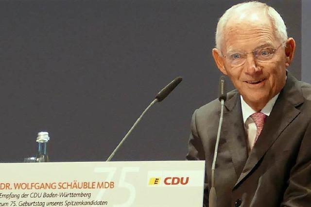 Schäuble liegt trotz Verlusten im Wahlkreis Offenburg klar vorne