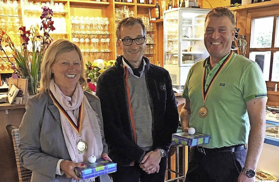 <BZ-FotoAnlauf>Golf: </BZ-FotoAnlauf>C...Elisabeth Wisser und  Patrick Decker.   | Foto:  Verein