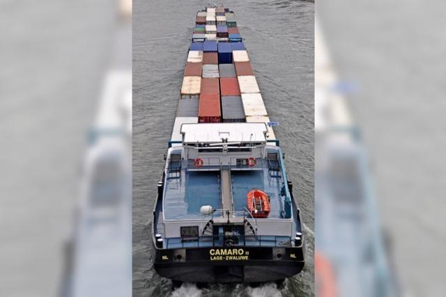 Mehr Container im Häfen wegen Bahnsperre