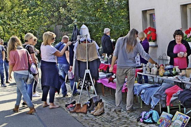 Andrang bei Dorfflohmarkt