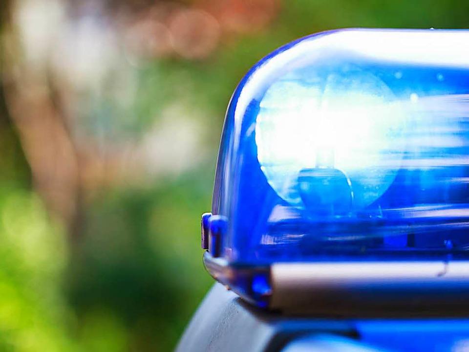 Die Polizei sucht nach einer 55-jährig...ge mit einem Messer verletzt zu haben.  | Foto: Dominic Rock