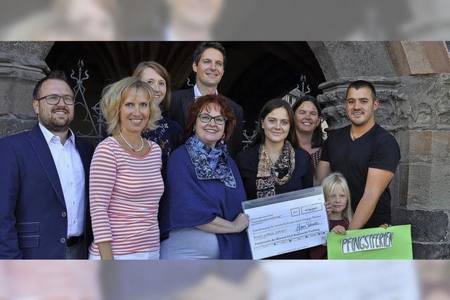 Kiwanis-Club spendet für Jugendliche JUGEMNDLICHE