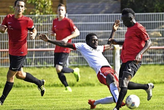 Flüchtlinge spielen im Amateurfußball groß auf
