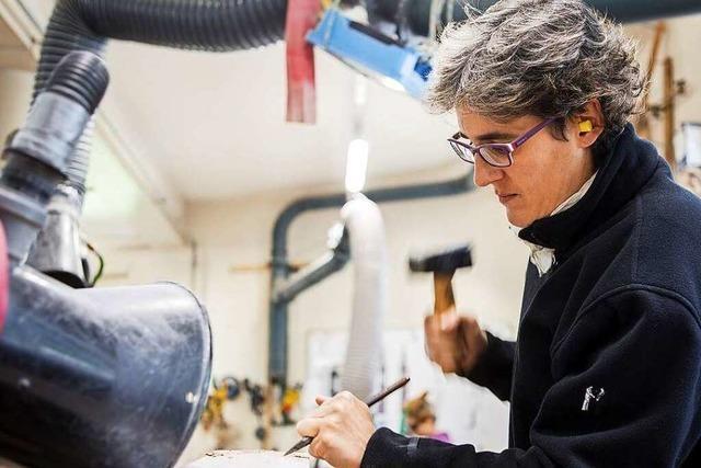 Karin Walther arbeitet als Steinmetzin in der Münsterbauhütte