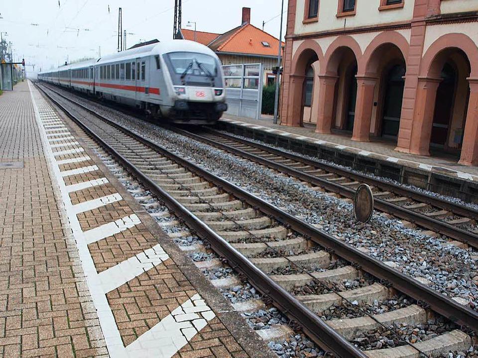 Das Fachbüro  aus Zürich kommt in dem ...zliche Gleise in Kenzingen nötig sind.    Foto: Michael Haberer