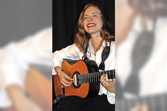 Gitarristin lässt Erinnerungen zu Musik werden