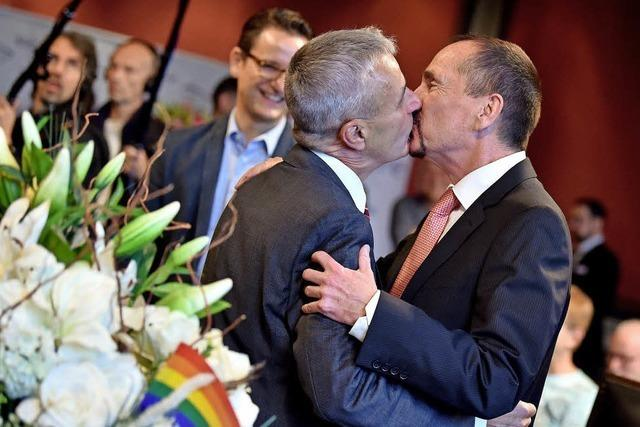 Erste gleichgeschlechtliche Eheschließung