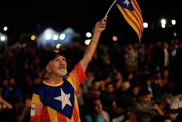 Katalanen stimmen mit 90 Prozent für Unabhängigkeit
