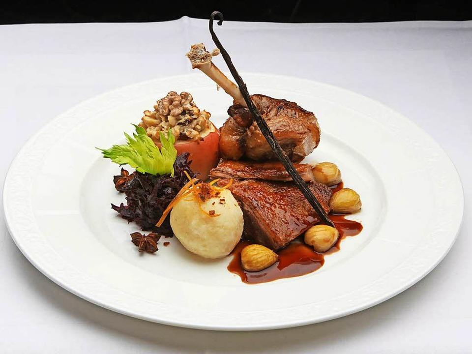 Das Essen der Martinsgans ist einer der gemütlichsten Events im Europa Park.  | Foto: haasinparis.com