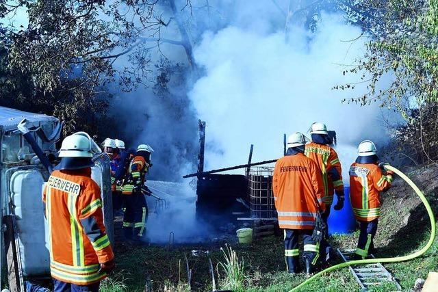Nach Brandstiftung in Gartenhütten: Polizei fasst jugendliches Trio
