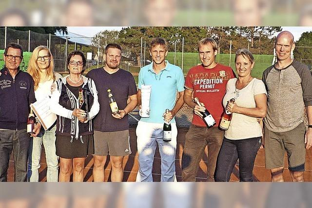 Viele Champions am Tennisnetz