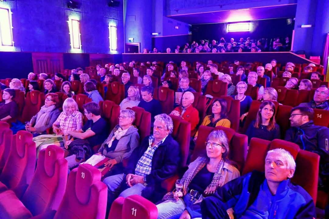 Volle Ränge im Krone Theater    Foto: Tanja bury