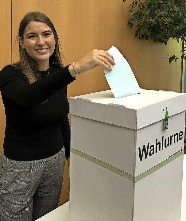 <BZ-FotoAnlauf>Kreisgymnasium Bad Kroz...eim bei der Stimmabgabe zur Juniorwahl  | Foto:  Schule