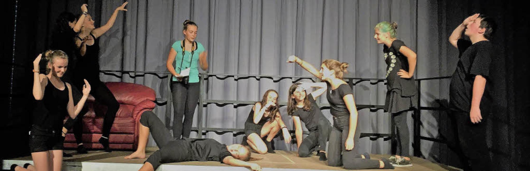 <BZ-FotoAnlauf>Kreisgymnasium Bad Kroz...oAnlauf> Viel Spaß beim Impro-Theater   | Foto: Privat