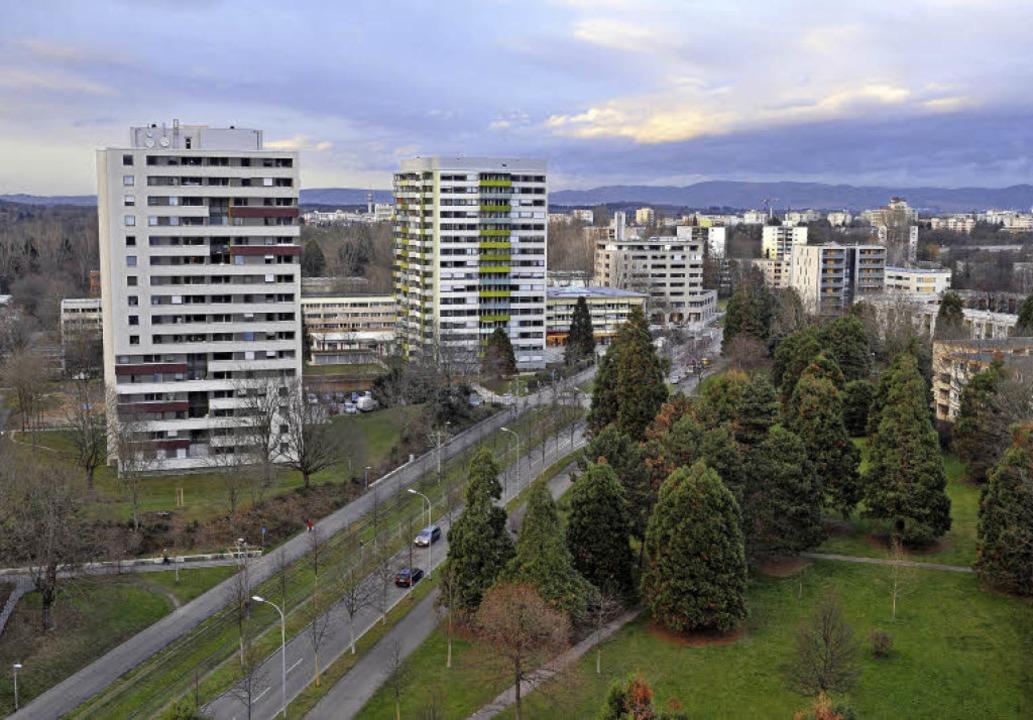 Hochhäuser, aber auch viele grüne Flächen prägen den Stadtteil Weingarten.   | Foto: Archivfoto: Thomas Kunz