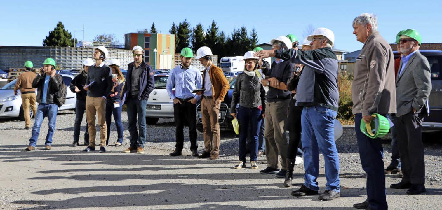 Auf dem Betriebsgelände der Firma Adle...ei gasbetriebenen Blockheizkraftwerke.    Foto: Martha Weishaar