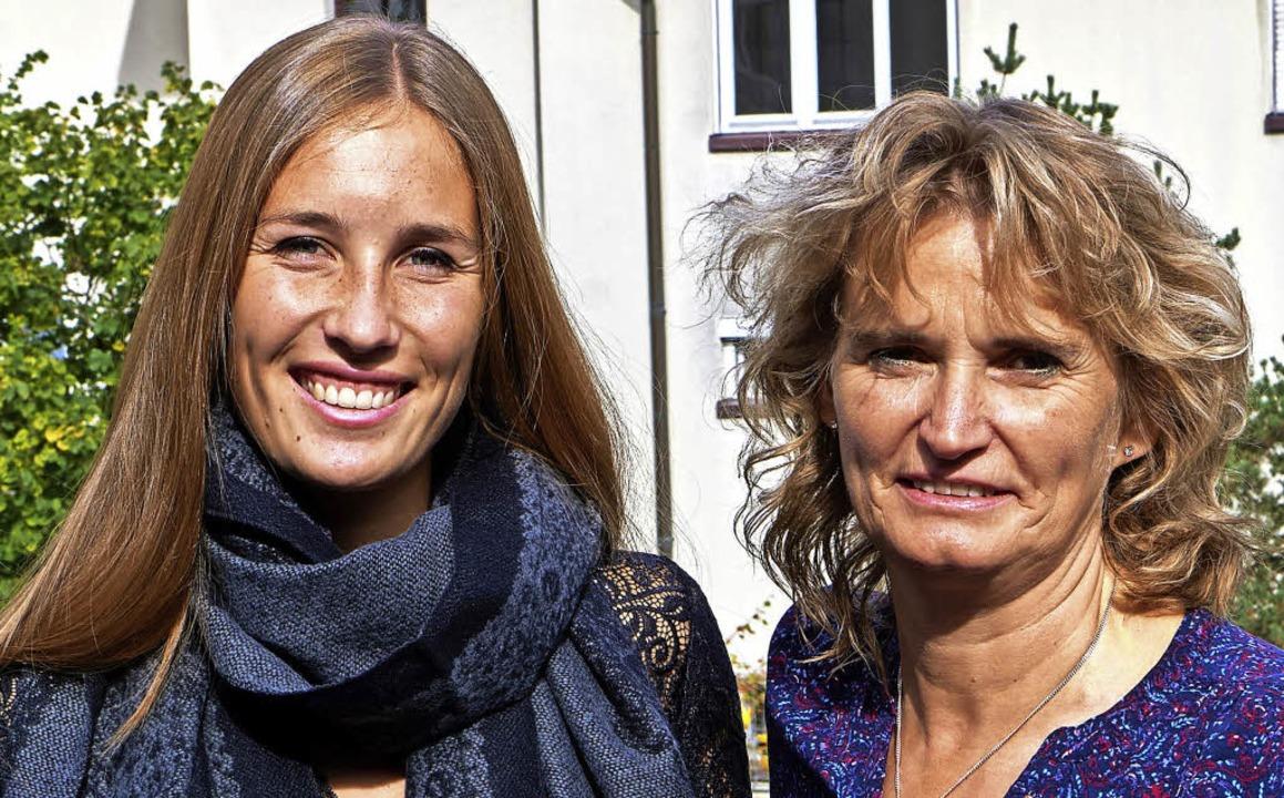 Marilena Vogt für  die Heimleitung und...tter vom St. Marienhaus  (von links)    | Foto: Julia Becker