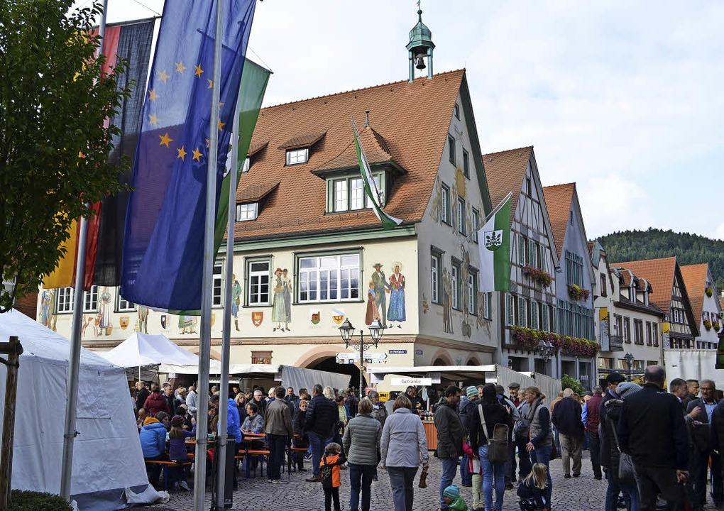 Verkaufsoffener Sonntag am Haslacher Marktplatz     Foto: Bayer
