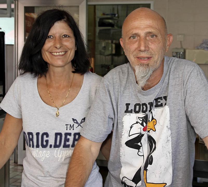Priska und Romeo Willi, die neuen Pächter des Kreuzhofes.  | Foto: Eva Korinth