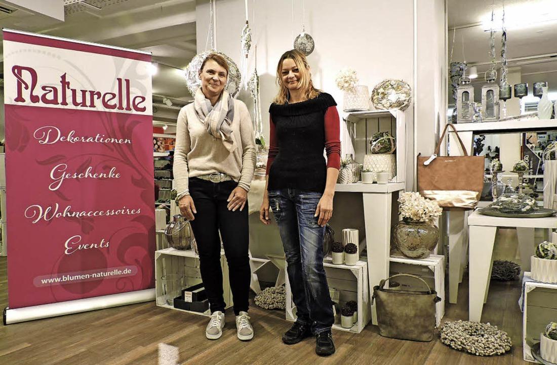 Christine Häßler (links) hat jetzt auc...n Waldkirch tätigen Mitarbeiterinnen.   | Foto: sre