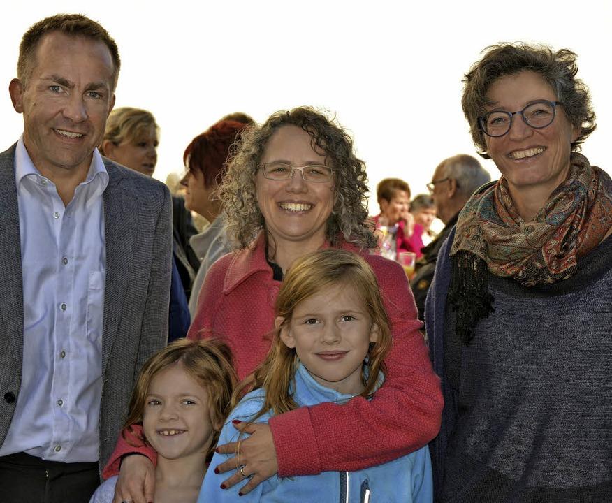 Dekan und Pfarrer Gerd Möller, Pastora...lsorgeeinheit Sigrid Fuchs (von links)  | Foto: Pinkawa