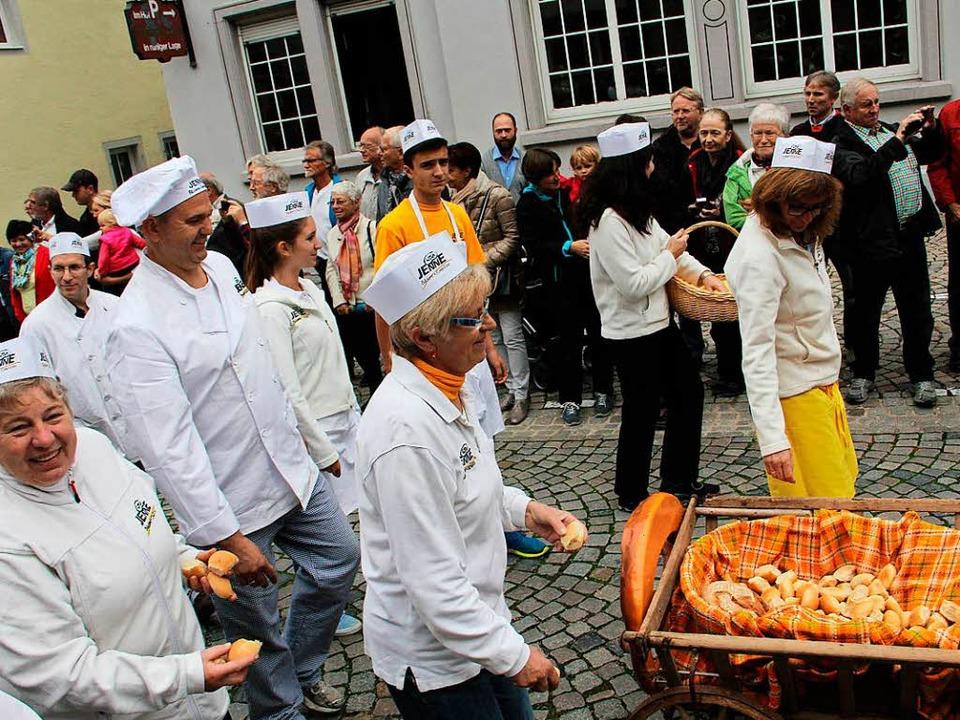 Endingen feiert die Kunst des Brotbackens mit einem großen Fest.    Foto: Hans-Peter Ziesmer