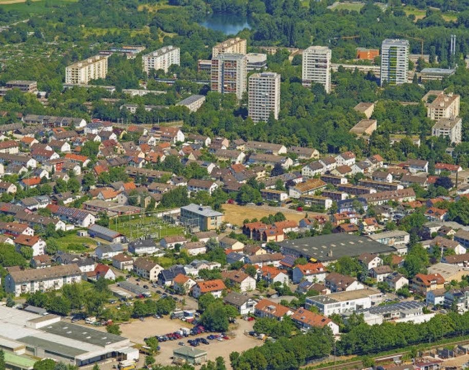 Das Gebiet Haid liegt südlich der Hoch...om Umspannwerk (Bildmitte) entstehen.   | Foto: Luftbild: Nils Theurer