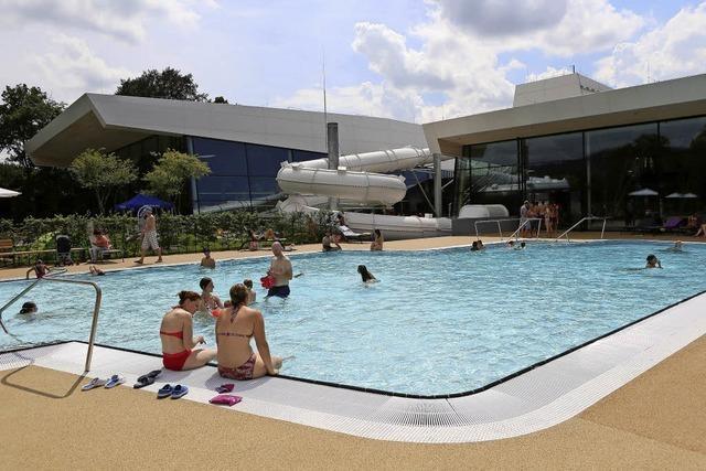 Architektenschwimmen im Freizeitbad