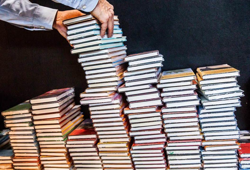 Rückläufig:  die Neuerscheinungen eines Verlags  | Foto: dpa