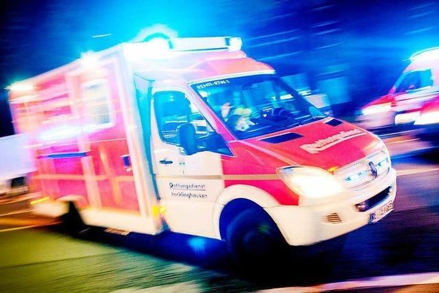 Doppelt verletzt: Betrunkener muss in einer Nacht zweimal in die Klinik