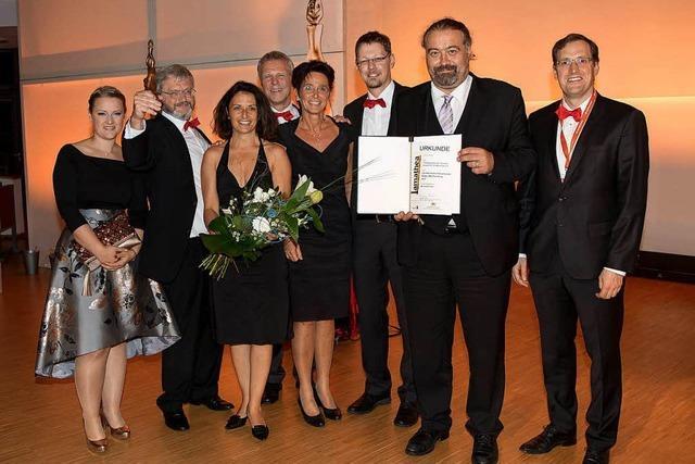 Theaterspieler nehmen in Karlsruhe Staatspreis entgegen