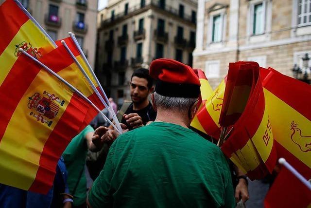 Rajoy leitet die Entmachtung von Kataloniens Regierung ein