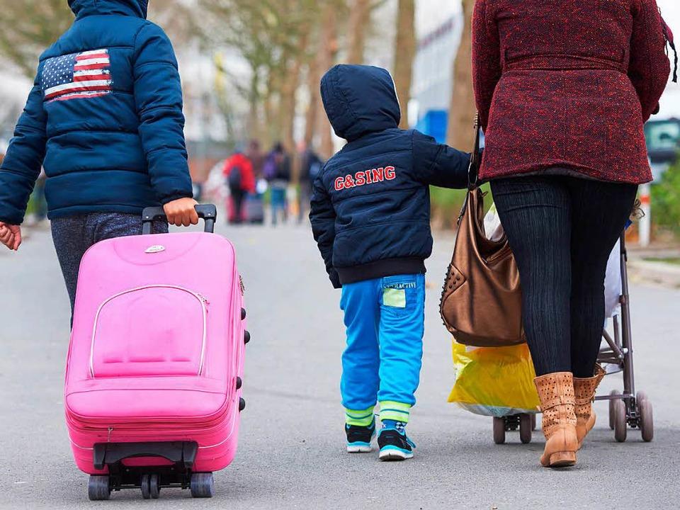 Für die Versorgung von Flüchtlingen ha...nd 40 Millionen Euro Schulden gemacht.  | Foto: Bernd Thissen