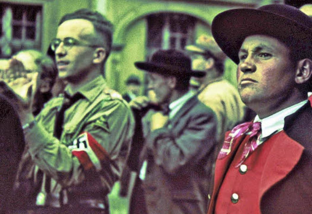 Beifall und Skepsis: NS-Kreisparteitag 1939 auf dem Münsterplatz .   | Foto: Ausstellung