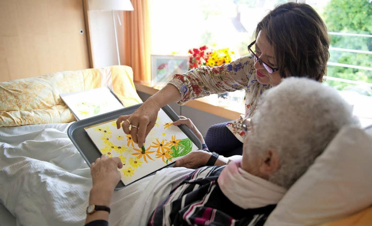 Sterbende und ihre Angehörigen zu begl...e Hospizbewegung zur Aufgabe gemacht.   | Foto: dpa/Lück