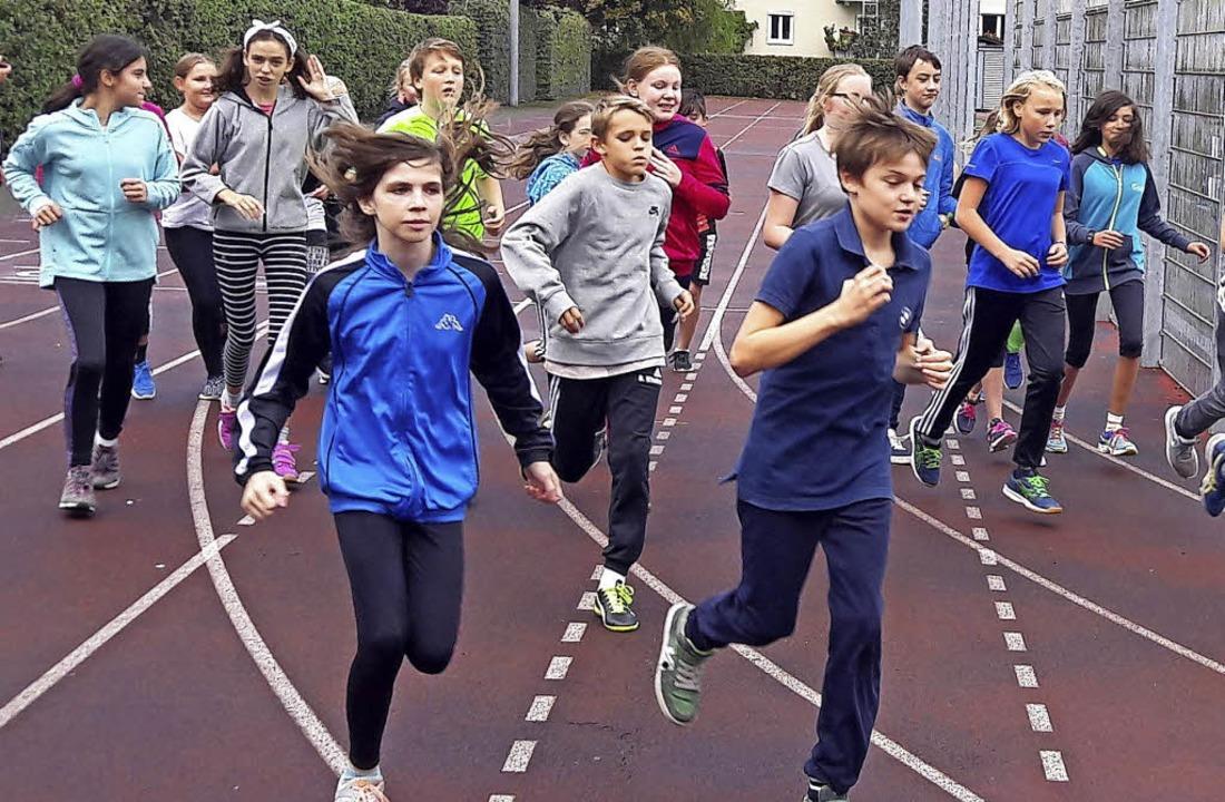 <BZ-FotoAnlauf>Hebel-Gymnasium:</BZ-FotoAnlauf> Schüler beim Sponsorenlauf   | Foto: Schule