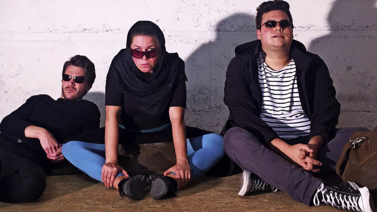 Auf in den Heiligen Krieg: Radix-Trio ...nbusch, Benedikt Bachert (von links)    | Foto: Promo