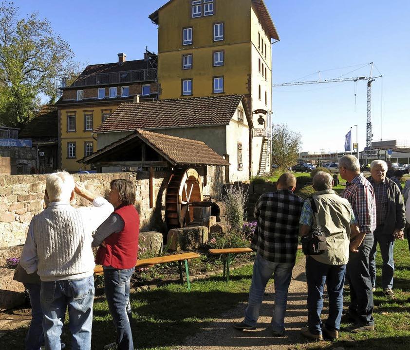 Einweihungsfest des neuen Wasserrades an der Mundinger Mühle  | Foto: Georg Voß