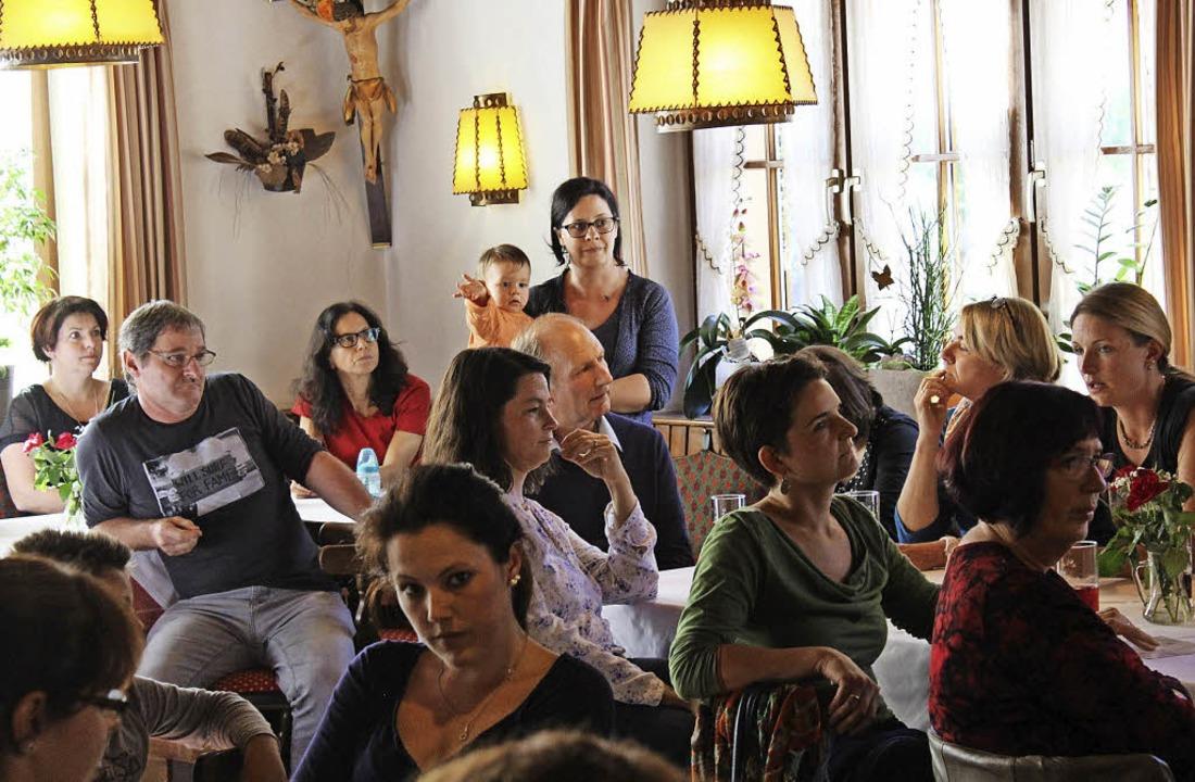 Zahlreiche Eltern kamen zur Infoverans...le in Wahlform ins Gasthaus Hirschen.   | Foto: K. Heiss